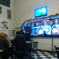 Photo taken at Charly's Pizza Ixtapaluca by L. A. V. Y. on 12/24/2012