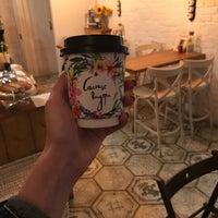 9/26/2017 tarihinde Kola U.ziyaretçi tarafından Розетка и кофе'de çekilen fotoğraf
