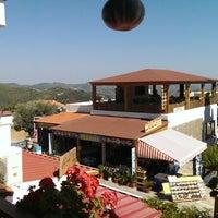 6/19/2013 tarihinde Света К.ziyaretçi tarafından Taverna Panorama'de çekilen fotoğraf