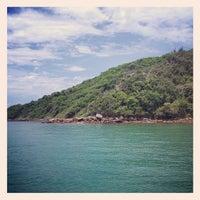 Foto tirada no(a) Praia da Tartaruga por Raphael B. em 12/16/2012