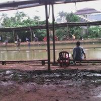 Photo taken at Pemancingan Haji Pudin by Muhamad F. on 2/8/2014