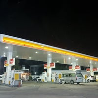 Photo taken at Shell by Praw R. on 12/23/2016