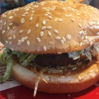 Photo taken at Red Robin Gourmet Burgers by Sandy G. on 6/23/2016