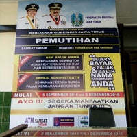 Photo taken at SAMSAT Surabaya Utara by Lutfia S. on 9/15/2016