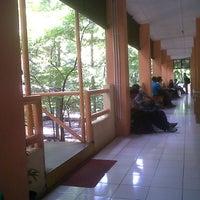 Photo taken at Gedung E4 Jurusan Teknik Sipil UNNES by Dikki Bayu A. on 4/1/2013
