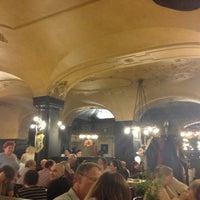 10/16/2012 tarihinde Carolina S.ziyaretçi tarafından Augustiner am Dom'de çekilen fotoğraf