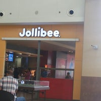 Photo taken at Jollibee by Mary Bernadette P. on 3/26/2013