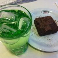 Foto scattata a Fran's Café da Simone A. il 1/16/2013