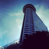 Photo taken at Millennium Hilton Bangkok by Khwan A. T. on 12/21/2012