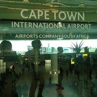 Foto tirada no(a) Aeroporto International da Cidade do Cabo (CPT) por Daisy D. em 5/2/2013