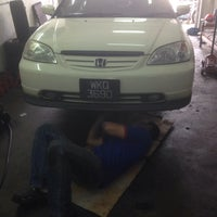 Photo taken at lee power auto by Pely N. on 1/13/2014