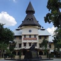 Photo taken at Thammasat University by Patrix S. on 10/18/2012