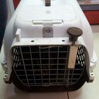 Photo taken at Maju Animal Clinic by Geng W. on 8/30/2014