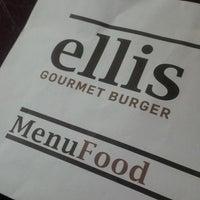 Photo prise au Ellis Gourmet Burger par Wim L. le6/17/2013