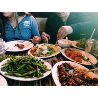 Foto diambil di Federick Restaurant oleh Aaron Joshua B. pada 3/30/2015