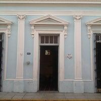 Foto tomada en Bar latino por Karin R. el 6/22/2014