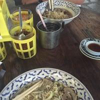 Photo taken at ก๋วยเตี๋ยวหมูทองหล่อ by Ploy W. on 7/6/2016