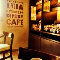 Foto tirada no(a) Toca do Café por Ricardo G. em 9/1/2014