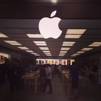 Photo taken at Apple SouthPark by Corley H. on 7/7/2013
