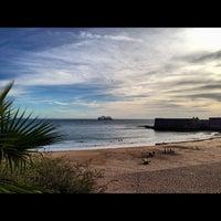 Foto tirada no(a) Praia da Torre por Jorge B. em 10/13/2012