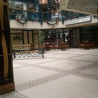Photo taken at Mall Plaza Reñaca by Natalia C. on 12/18/2012