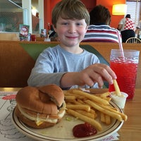 Photo taken at Frisch's Big Boy by Rich R. on 5/3/2014