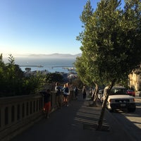 Photo taken at Russian Hill by 해랑 진. on 7/21/2017