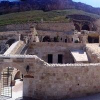 Photo taken at Kayakapi Premium Caves - Cappadocia by Bekir A. on 5/13/2013