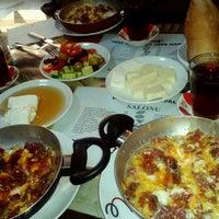 1/13/2013 tarihinde İlker y.ziyaretçi tarafından Doyuran Kahvaltı Salonu'de çekilen fotoğraf