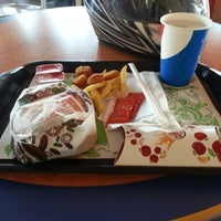 Photo taken at Burger King by Anar Iván T. on 12/16/2012