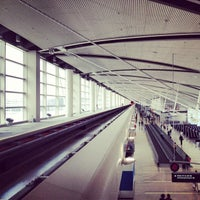 Photo taken at Detroit Metropolitan Wayne County Airport (DTW) by Helen S. on 7/9/2013