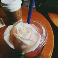 Photo taken at The Coffee Bean & Tea Leaf by Poppy on 7/24/2016