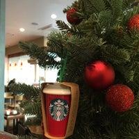 Photo taken at Starbucks by Hyo-Won L. on 12/6/2016