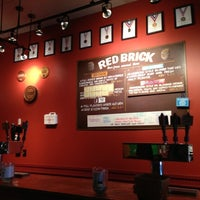 Foto tomada en Red Brick Brewing Company  por Michael W. el 11/10/2012