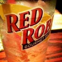 Photo taken at Red Robin Gourmet Burgers by Ceren G. on 3/3/2013
