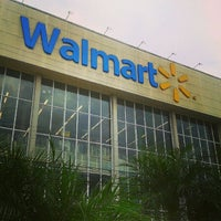 Photo taken at Walmart by Deijivan H. on 5/22/2013