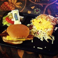 Photo taken at Waffle House by The Kiwibok on 12/30/2012