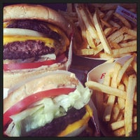 Photo taken at In-N-Out Burger by Noe M. on 3/19/2013