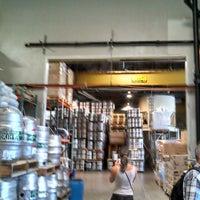 Foto tirada no(a) Yards Brewing Company por Tim B. em 7/13/2013