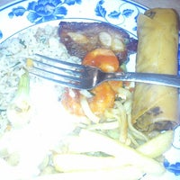 Photo taken at Buffet Chino El Nuevo Jade by Reich M. on 1/12/2013
