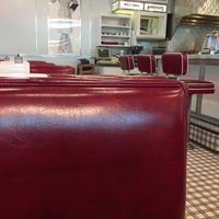 Photo taken at Johnny Rockets by Ugur on 1/12/2017