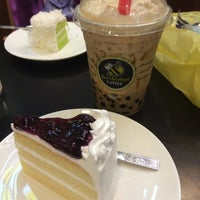 Photo taken at Bumblebee Coffee & Tea by ooYOYAEoo on 4/26/2015