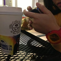 Photo taken at The Coffee Bean & Tea Leaf by Blas P. on 1/20/2013