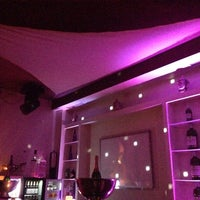 Das Foto wurde bei IMARA Restaurant Bar Lounge von Miss L. am 9/13/2014 aufgenommen