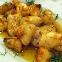 11/8/2012 tarihinde Nihan G.ziyaretçi tarafından Gemibaşı Restaurant'de çekilen fotoğraf