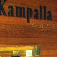 Foto tirada no(a) Kampalla Café por Luna R. em 1/3/2013
