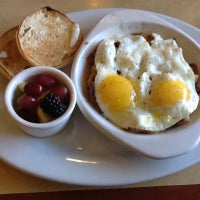Photo taken at First Watch – Breakfast, Brunch & Lunch by Patrick M. on 11/23/2012