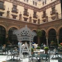 Foto tomada en Hotel Alfonso XIII por Amayita R. el 4/22/2013