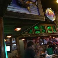Foto tirada no(a) Flanigan's Seafood Bar and Grill por Teresa M. em 7/30/2017