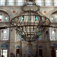 Das Foto wurde bei Edirnekapı Mihrimah-Sultan-Moschee von mavi am 6/24/2013 aufgenommen